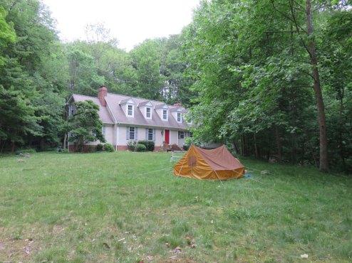 庭でキャンプなどしてみたけど、とーちゃんのお古のテントは今回で寿命が切れてしまいました。