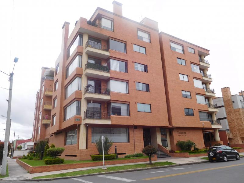 8750 apartamento barrio chico navarra zona norte bogota for Barrio ciudad jardin norte bogota