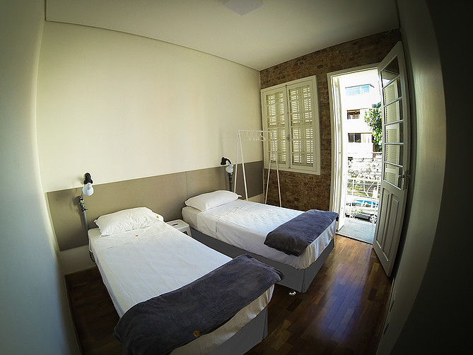 brock-hostel01