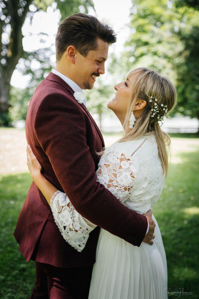 Colin und Sarah 5 683x1024 - Hochzeit Sarah und Colin