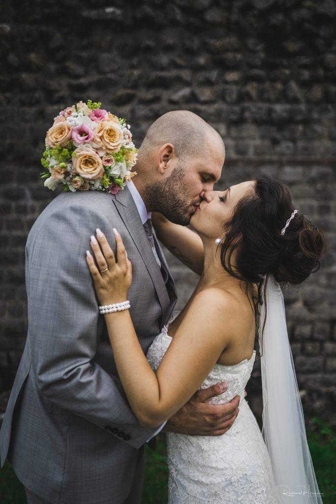 Remo und Aina 247 683x1024 - Hochzeit Aina und Remo