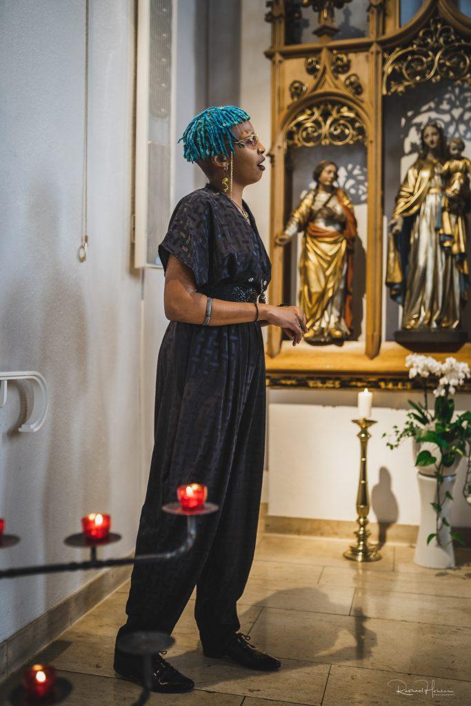 Remo und Aina 42 683x1024 - Hochzeit Aina und Remo