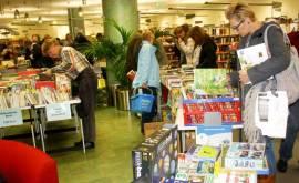 Bibliothek Basar 2016 Besucher