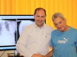 v.l. Dr. med. Christian Schulte, Leitender Oberarzt der Klinik für Ortho…
