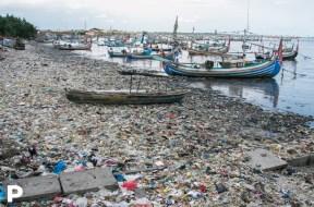 Aktuelle Situation am Strand von Muncar, Indonesien