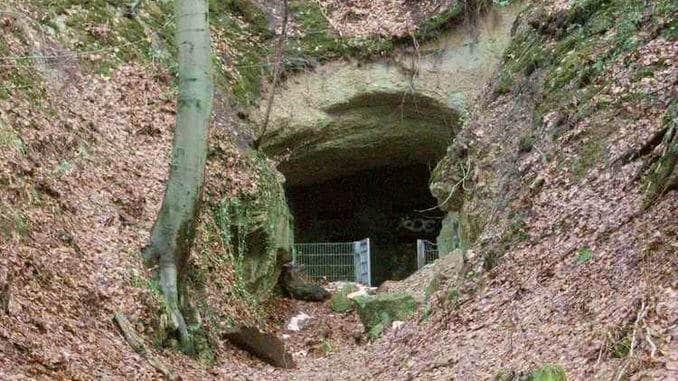 Haupteingang zur stillgelegten Mine