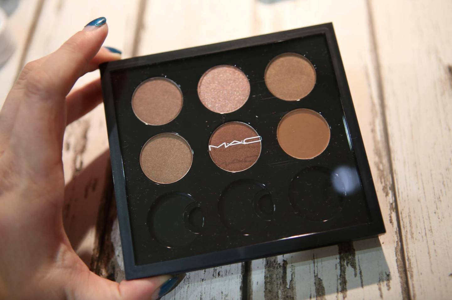 Creating My First Mac Customized Eyeshadow Palette