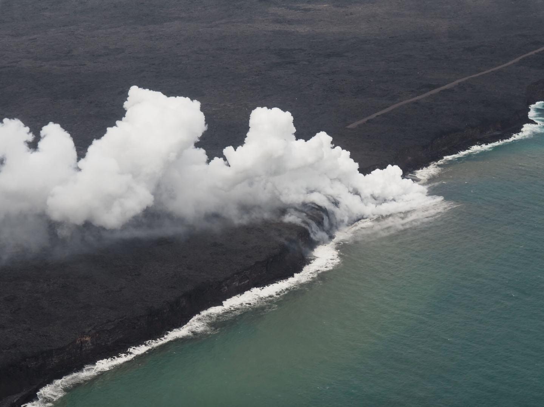 Hawaii Lava hits ocean