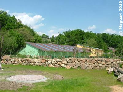 Blick auf das Nashornhaus, 25. Mai 2010