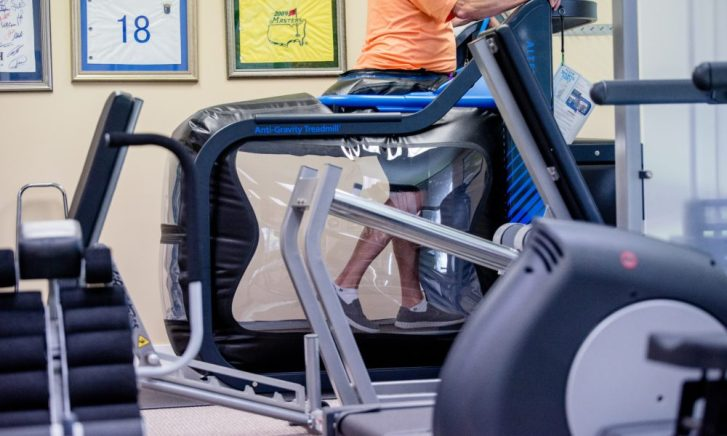 Man Walking in an AlterG Anti-Gravity Treadmill | RhodesPT.net