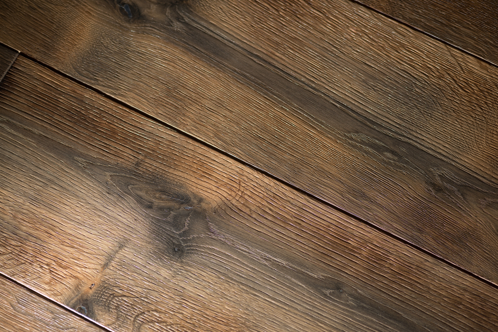 The Battle: Walnut Flooring vs. Oak Flooring