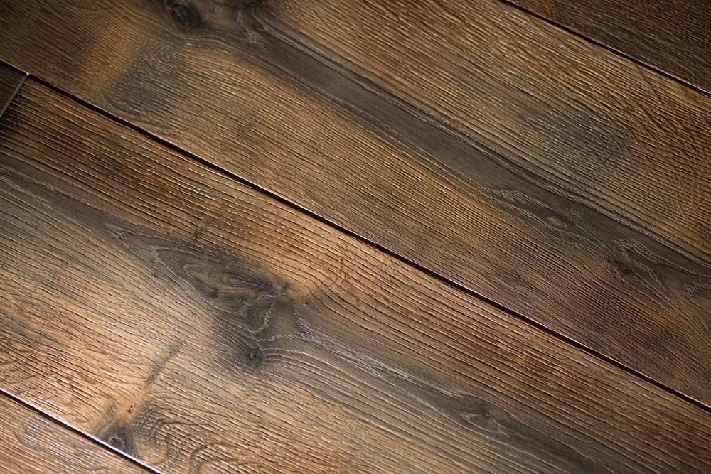 The Battle: Walnut Flooring vs. Oak Flooring