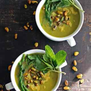 Roasted asparagus soup with pistachio cream
