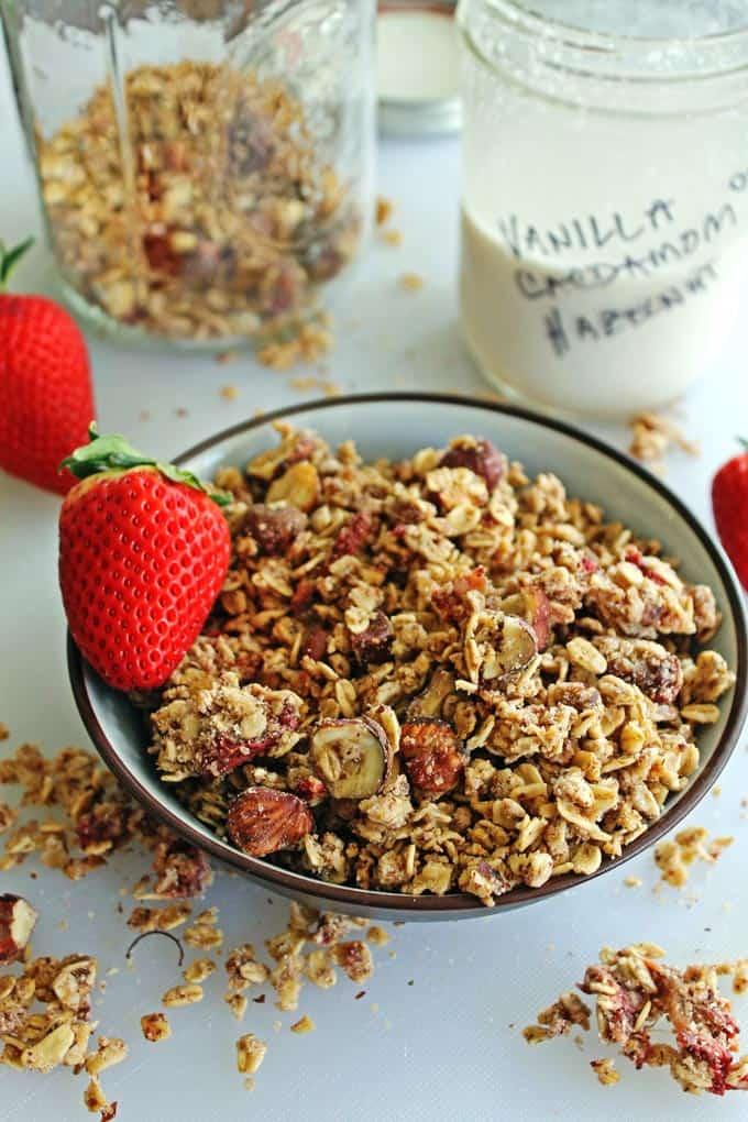 Roasted strawberry hazelnut milk pulp granola