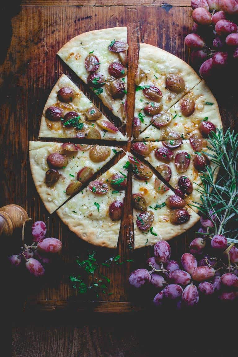 Roasted grape pizza + 15 Farmers market recipes to try this November! Delicious, autumn recipes made with fresh, seasonal produce from your local farmers market or CSA bin. Eat local!