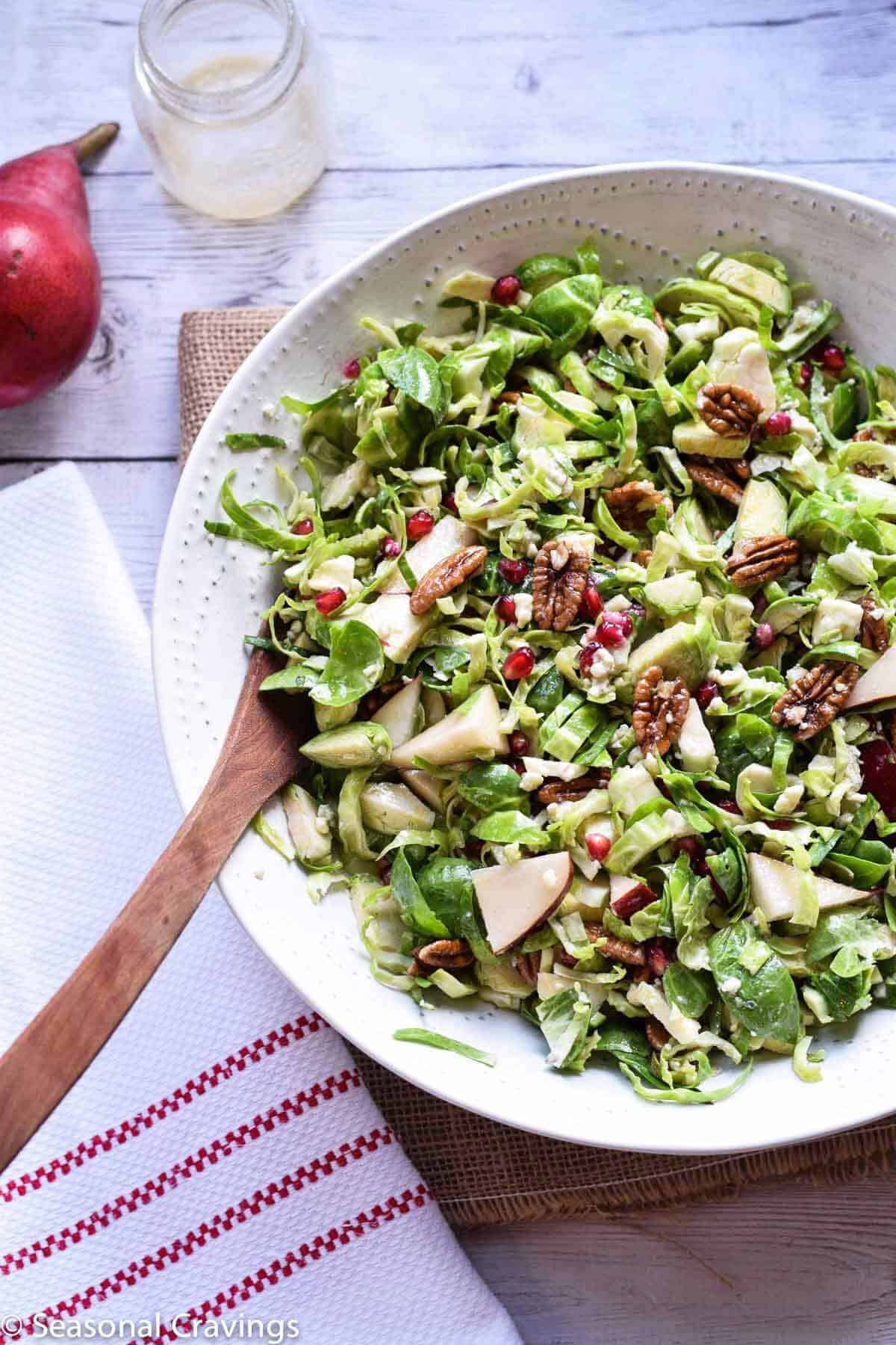 Brussels sprout salad + 15 Farmers market recipes to make in December! Delicious, autumn, winter, and holiday recipes made with fresh, seasonal produce from your local farmers market or CSA bin. Eat local!