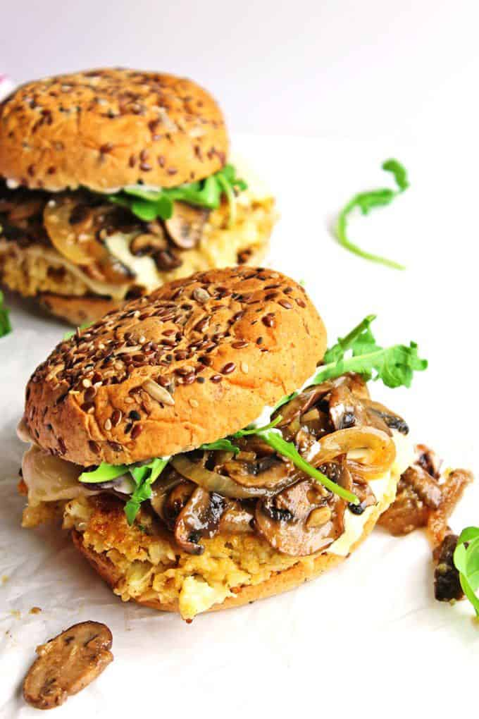 Cauliflower quinoa burgers + 15 Farmers market recipes to make in March! Delicious, vegetarian, late winter/ early spring, (mostly) healthy recipes made with fresh, seasonal produce from your local farmers market or CSA bin. Eat local!