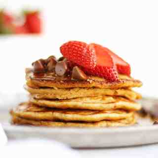 Healthy yogurt oat flour pancakes recipe