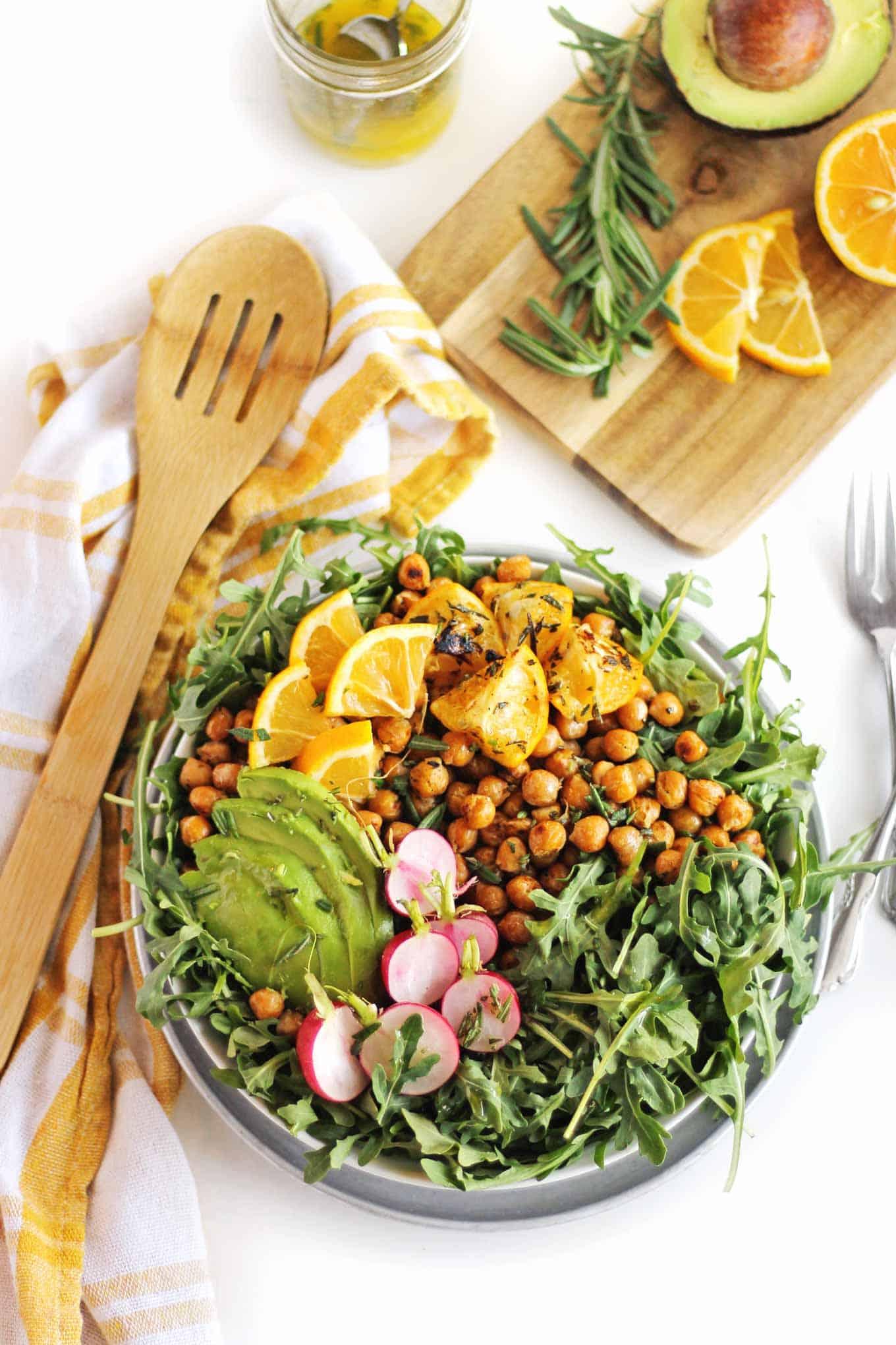 arugula salad with crispy chickpeas