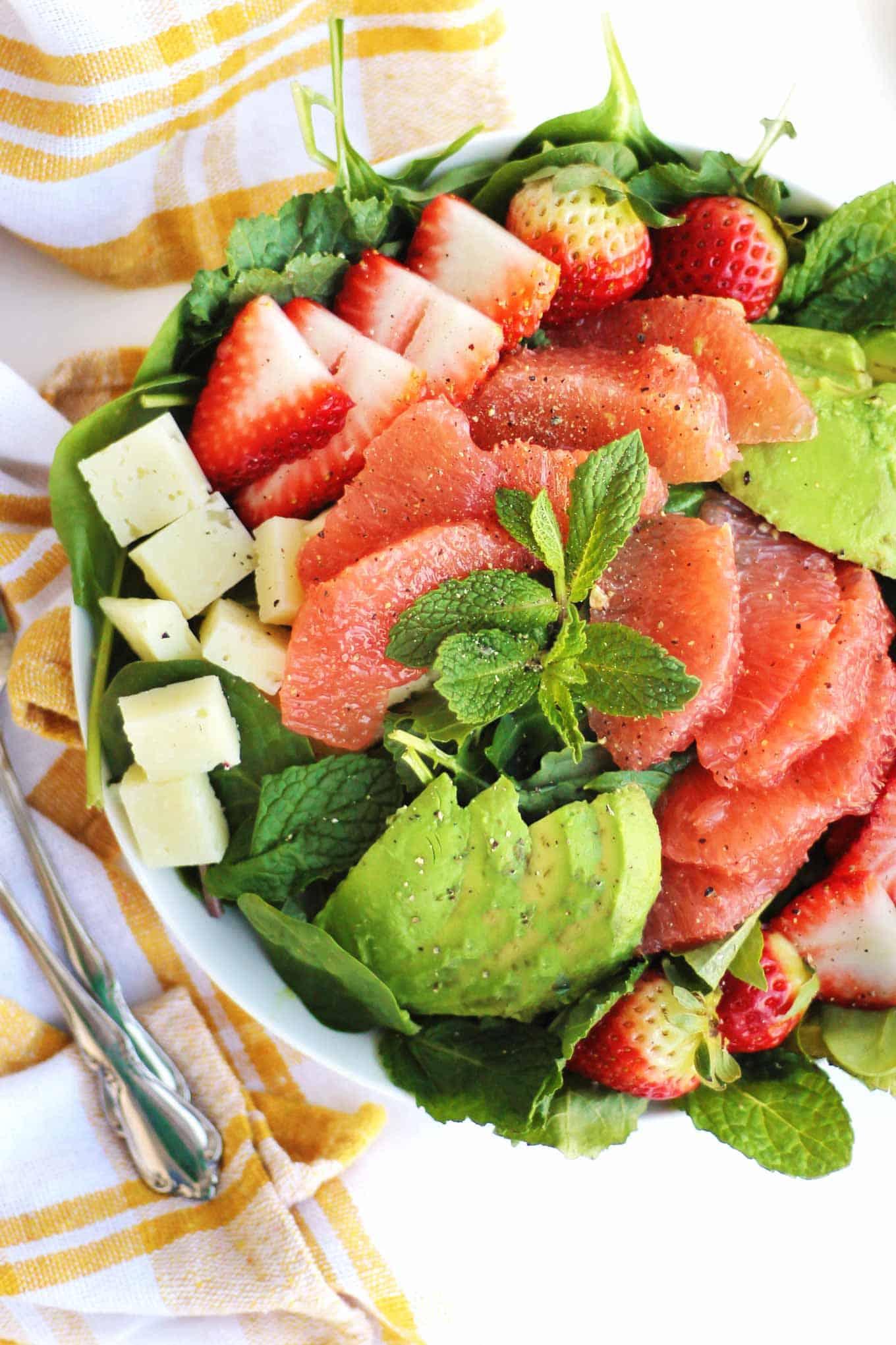 avocado grapefruit salad with strawberry