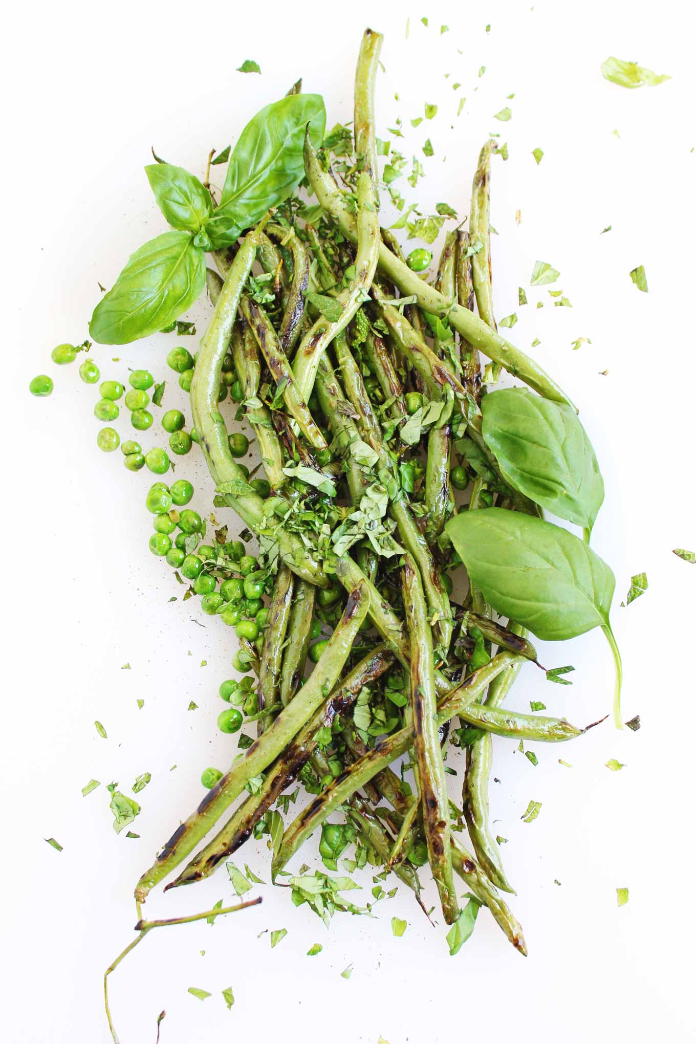 sauteed green beans and peas with herbs