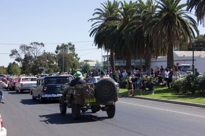 Junee Street Parade participants and audience