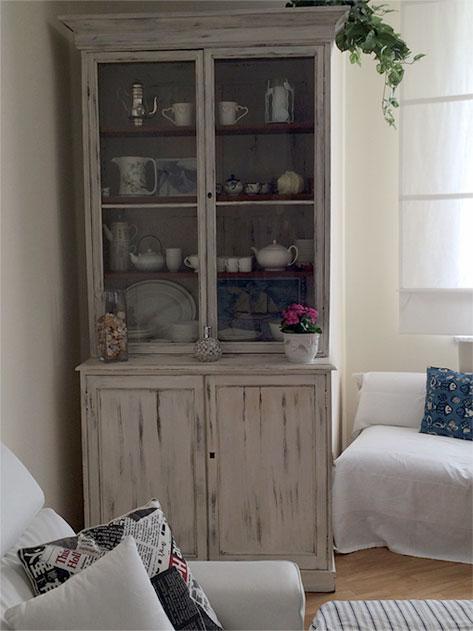 Nato negli stati uniti, questo stile d'arredamento consiste nel riutilizzare mobili e oggetti vecchi, riadattandoli a usi moderni, o in. Shabby Chic Riarrediamo Laboratorio Di Decorazione A Genova