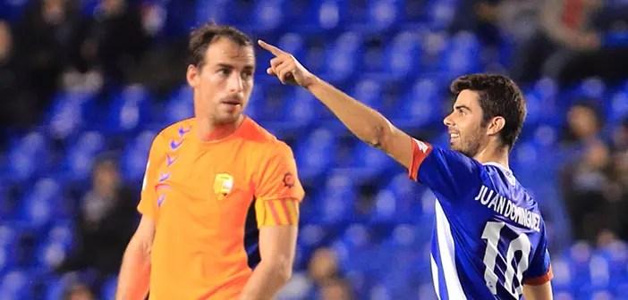Juan Domínguez celebra un gol conseguido en Riazor