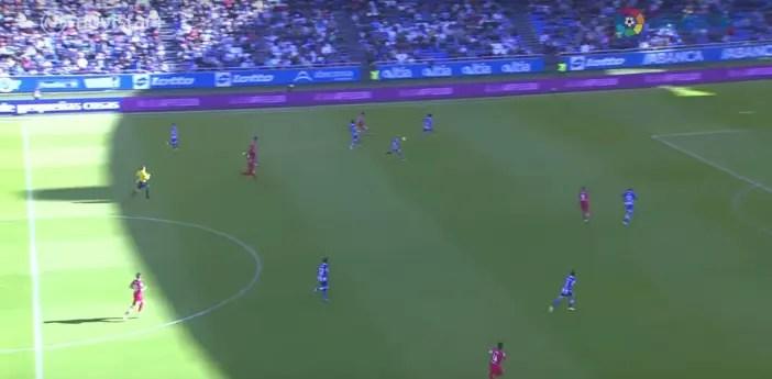 En el primer gol la línea de cuatro y Mosquera mientras Borges y Cartabia apuran para bajar a defender.