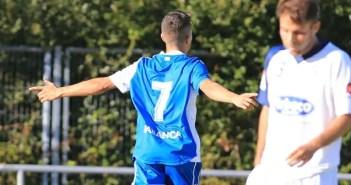 Pinchi celebra gol en Silva vs Deportivo