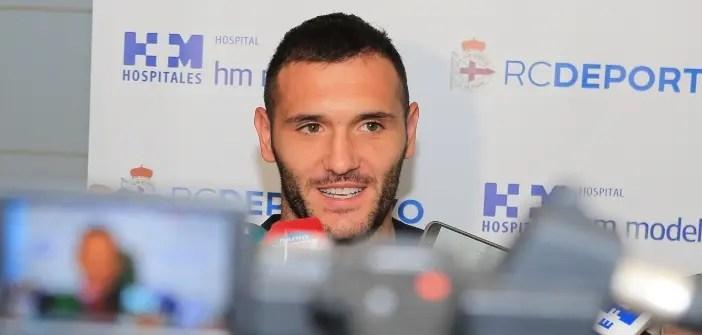 Lucas Pérez tras pasar reconocimiento médico con el Deportivo
