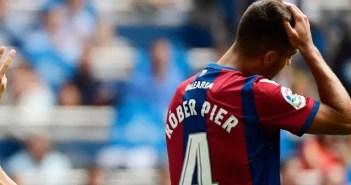 Róber en su estreno con el Levante ante el Real Madrid