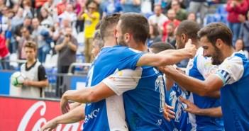 Lucas Pérez y Andone festajan el tanto de la victoria ante el Getafe