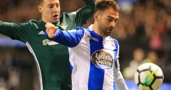 Adrián durante el Deportivo - Betis