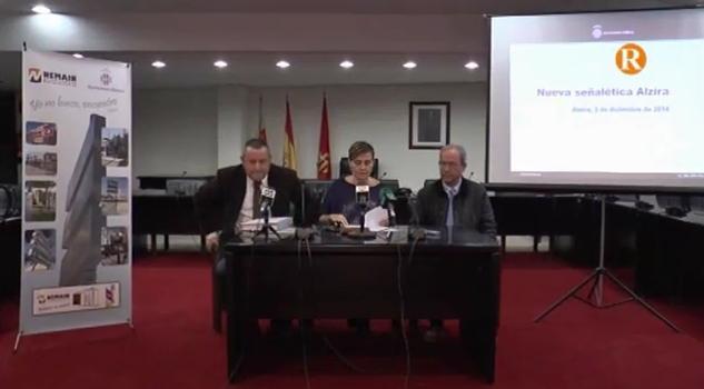 Alzira renova i amplia la senyalítica de la ciutat