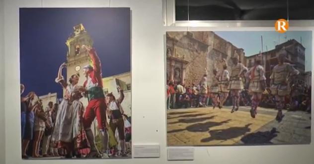 Guadassuar inaugura una exposició sobre les festes d'Algemesí que dona pas a les festes locals