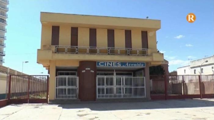 """L'Ajuntament adquereix els """"Cines Avenida"""" per destinar-los a Centre Cultural"""