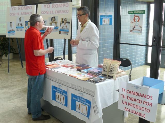 L'Hospital Universitari de la Ribera se suma a la setmana sense fum