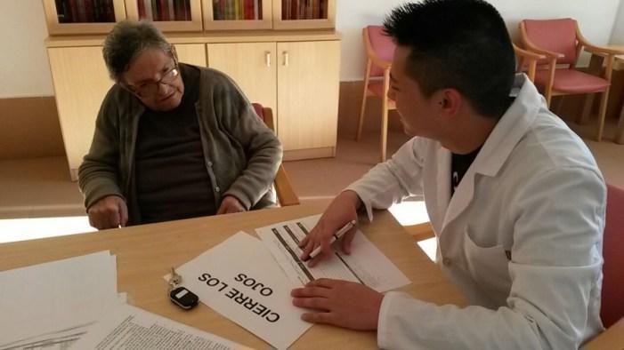 Los voluntarios en el estudio sobre el efecto del aceite de coco en el Alzheimer muestran una mejora cognitiva en el 86% de los casos