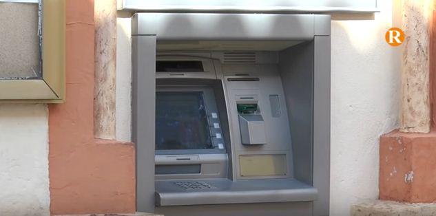 Sant Joanet s'oposa a l'eliminació de l'únic caixer automàtic del poble