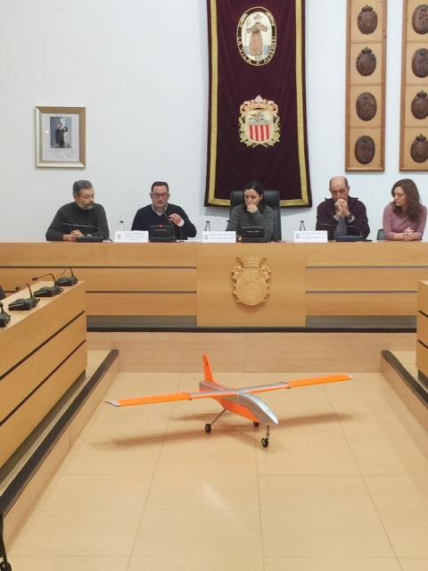 La Universitat Politècnica de València i l'Ajuntament d'Algemesí inicien un projecte d'ús de drons en videovigilància dels camps d'Algemesí