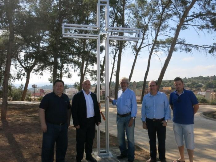 L'Ajuntament de Turís inaugura una nova creu donada per Ricard de Villanova, el Majharí