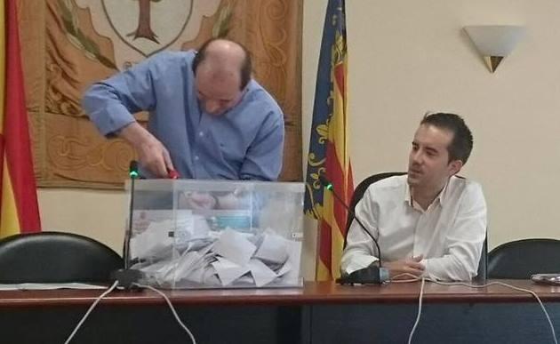 Los vecinos de Alberic eligen en la consulta ciudadana mejorar el asfaltado de los caminos rurales