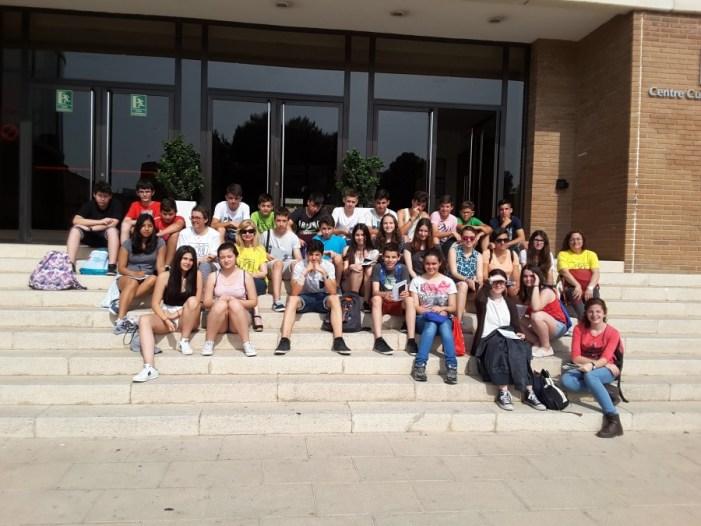 Un total de 40 estudiants de l'IES Almussafes realitza la primera ruta matemàtica per la població