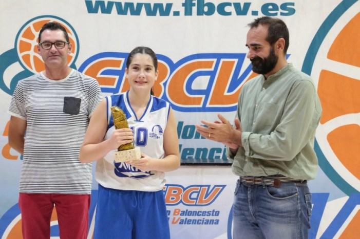 L'almussafenya Mar Alepuz, anomenada la millor jugadora del partit final