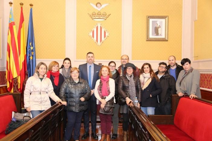 Cullera presenta la seua oferta als guies turístics de la Comunitat Valenciana