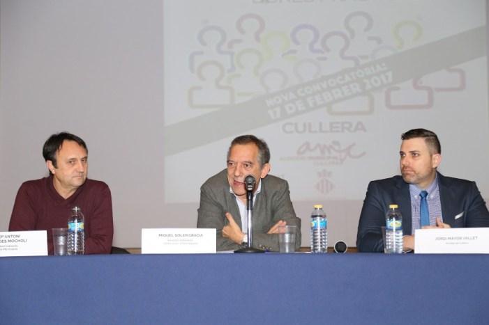 Soler accepta a Cullera les reivindicacions de les Escoles per a Adults