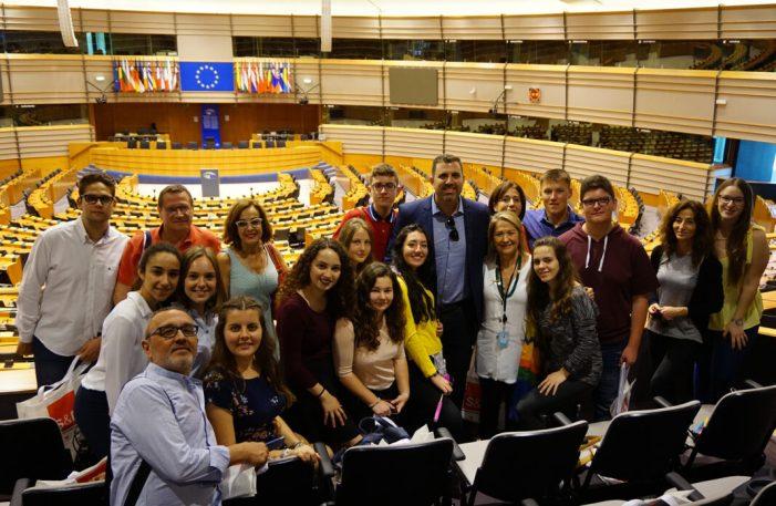 Els expedients més brillants dels instituts de Cullera coneixen el Parlament Europeu