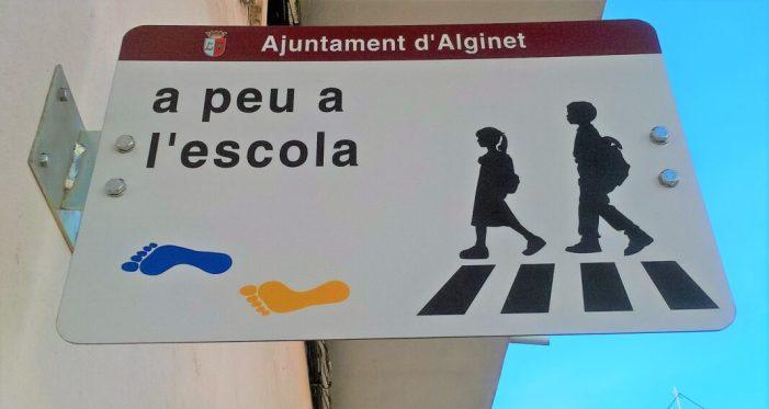 Campanya 'A peu a l'escola' per un poble més sostenible i segur.