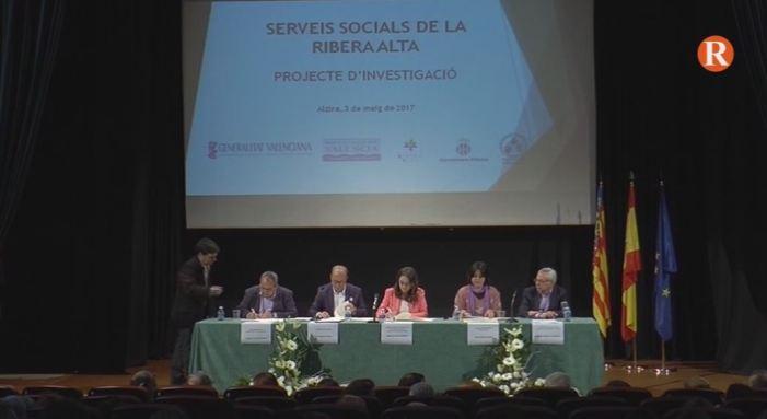 Oltra presenta en Alzira l'acord per a la creació d'un programa d'investigació social en la Mancomunitat de la Ribera Alta
